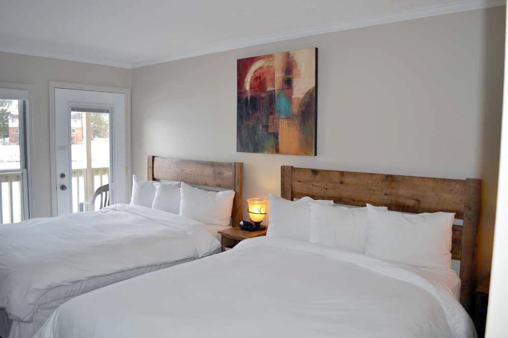 Lakefront-Lodge-Deep-Creek-Lake-room-108